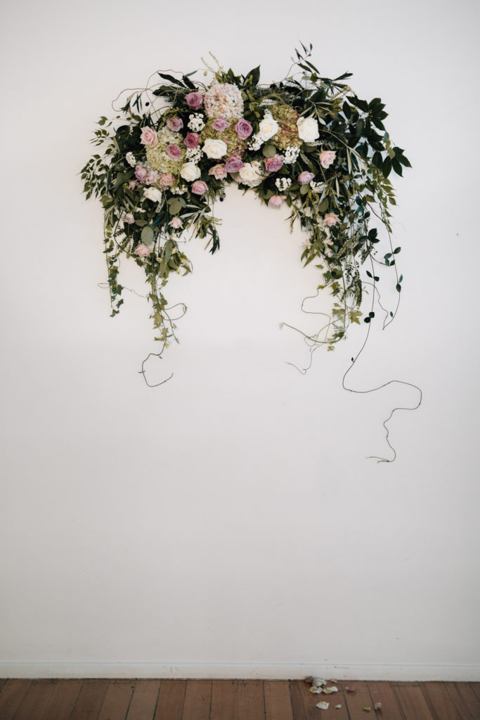 Wall arch flowers