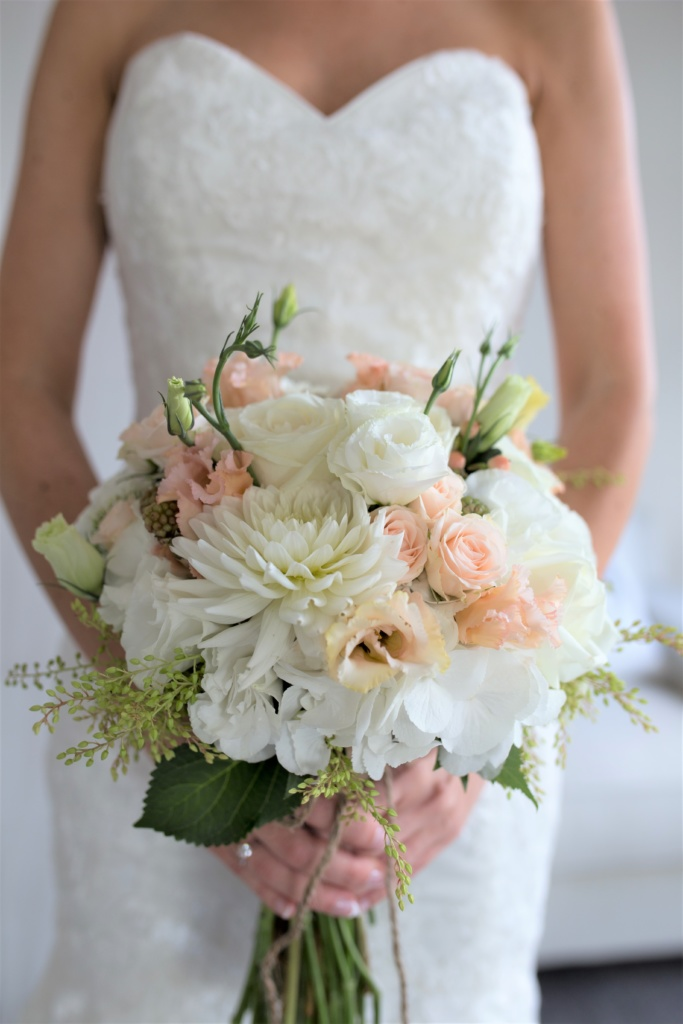 peaches and creams bridal bouquet